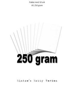 Pakke med 10 ark Playcut A5 Karton hvid – 250g.