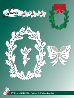 BY LENE DIE – Holly Wreath